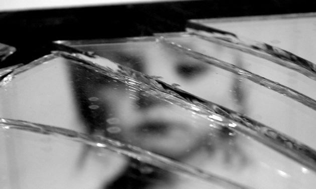 broken-mirror-3-1317214-630x378